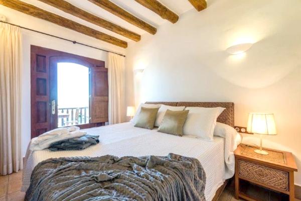 Room Ibiza casa web 2