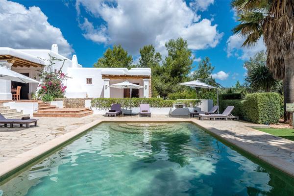 View pool y casa Ibiza